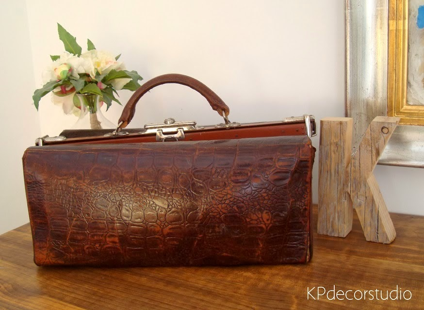 maleta de medico doctor antigua