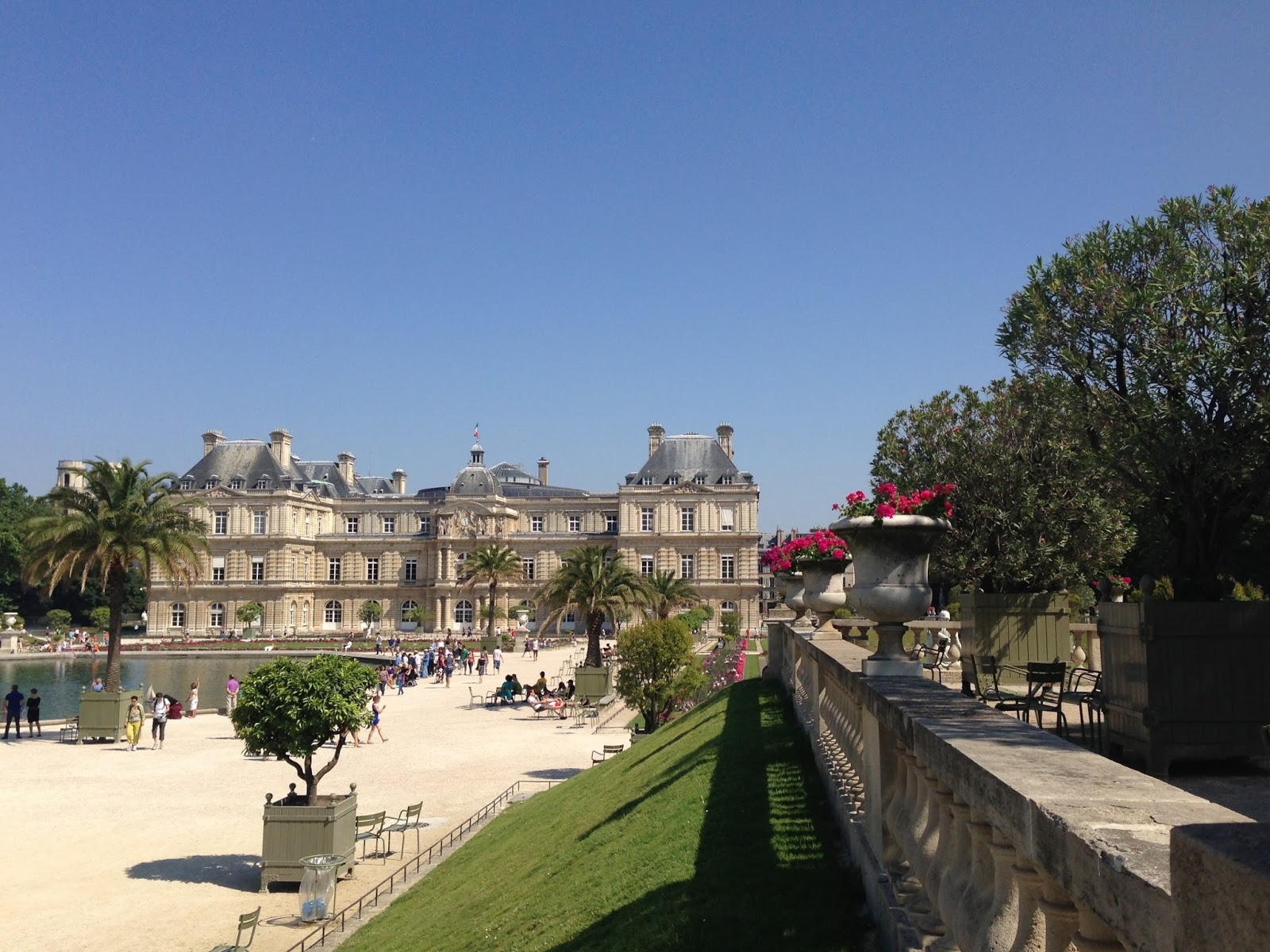 Le Jardin du Luxembourg - Paris Off the Beaten Path: Quiet Spots in the City