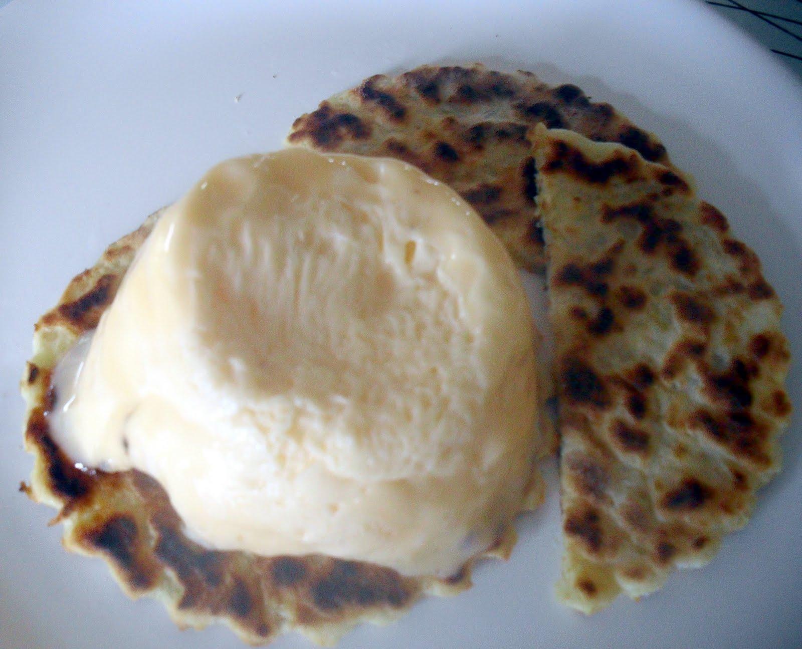 unadorned scrambled egg with potato scones