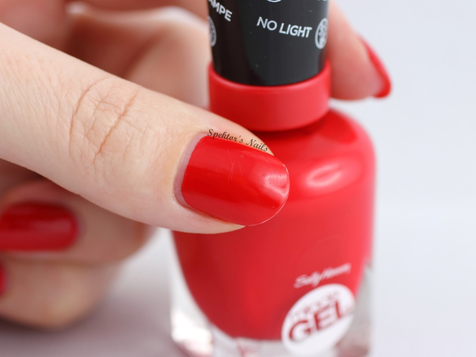 Sally Hansen Miracle Gel Red Eye