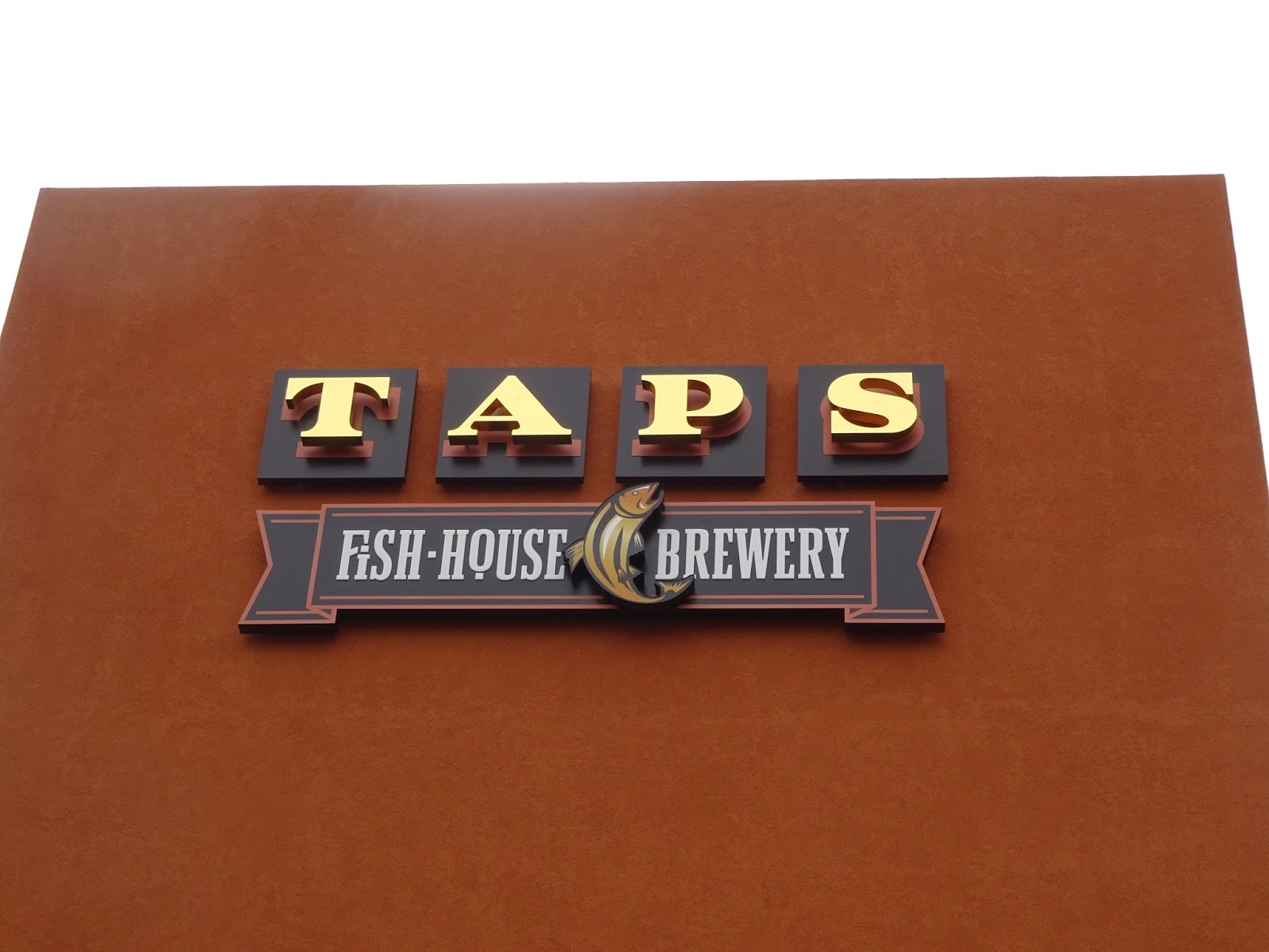 Eating my way through oc taps opens in irvine for Taps fish house irvine