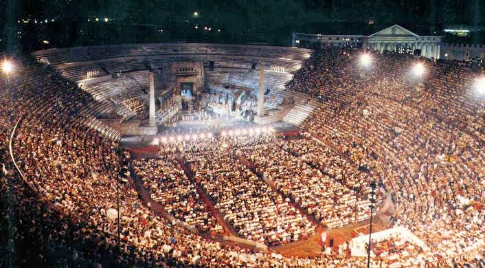 Opera en la Arena de Verona