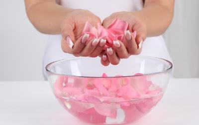 Manfaat Air Mawar untuk Kecantikan Kulit