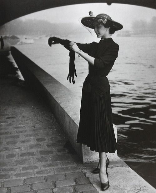 1950s Woman in Black #1950s #fashion #LBD #50s #style