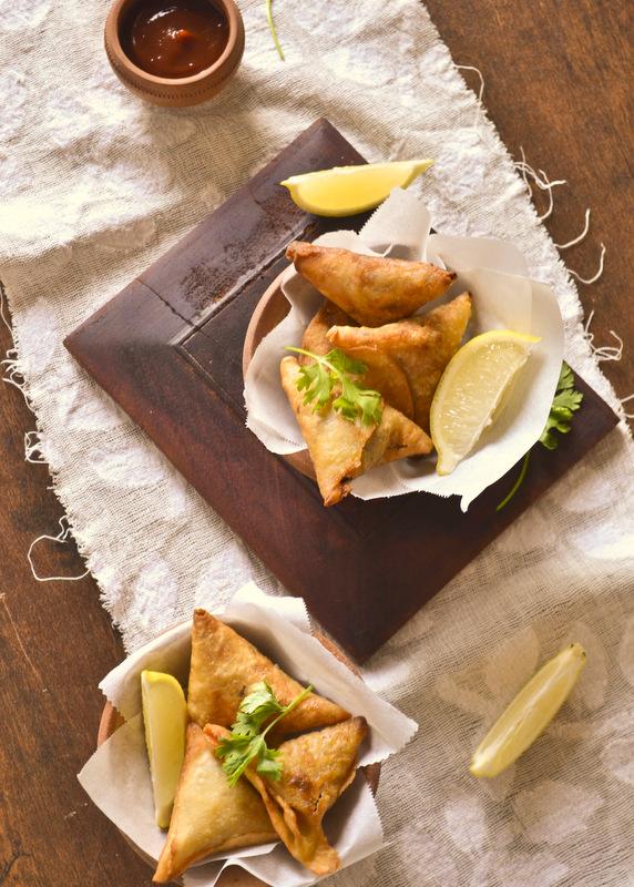 MEAT SAMOSA   kurryleaves