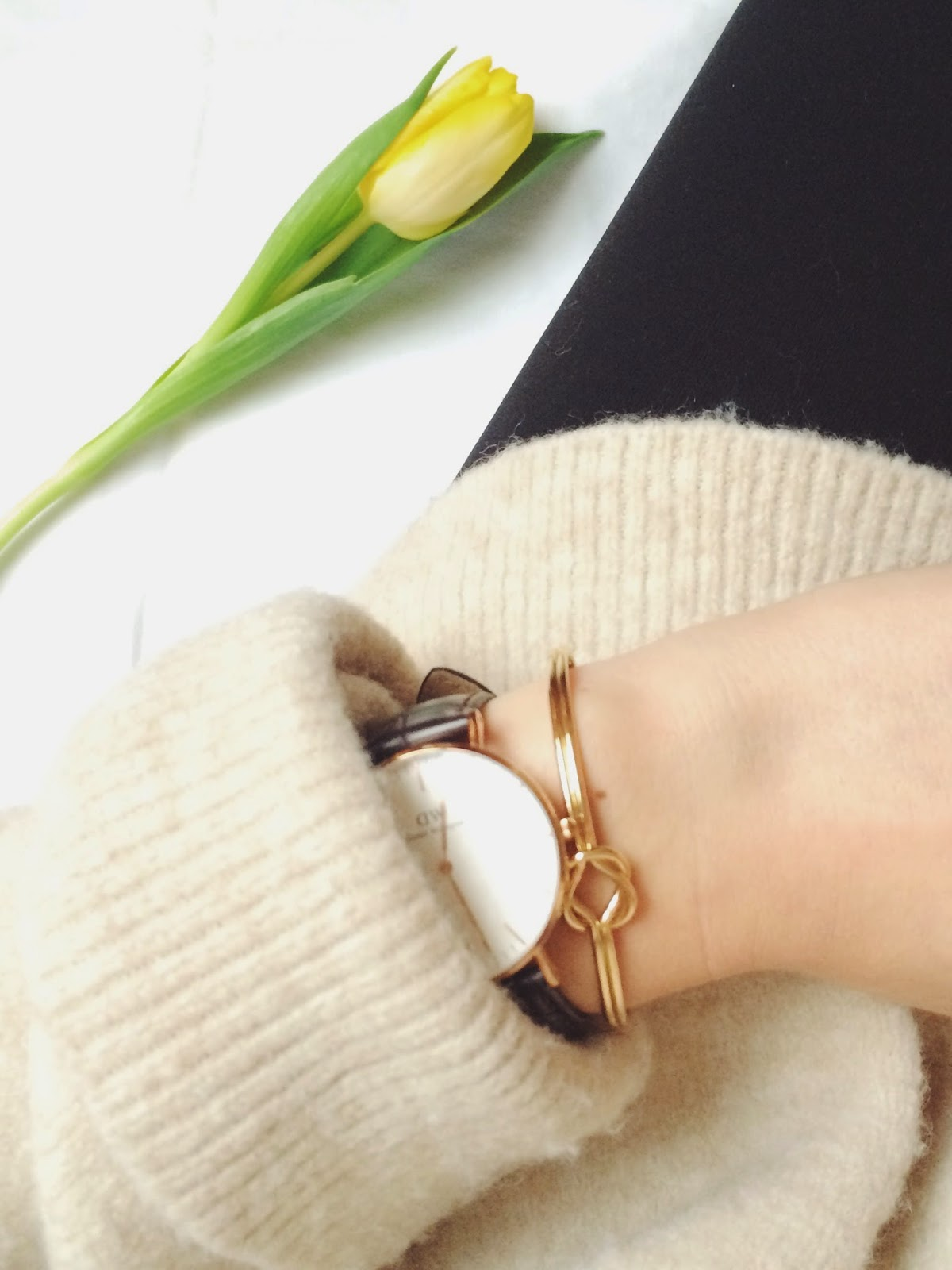 knot cuff, knot bracelet, asos knot bracelet, daniel wellington watch, daniel wellington york lady watch, gold knot bracelet