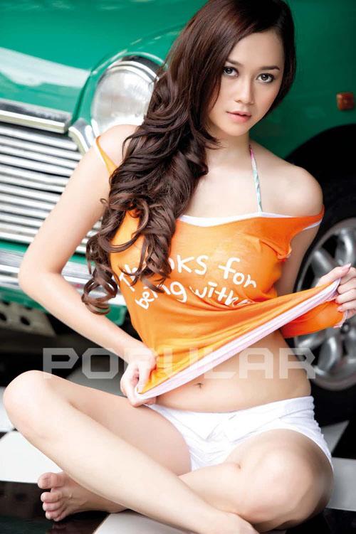 Foto-Hot-Aura-Kasih-Popular.jpg