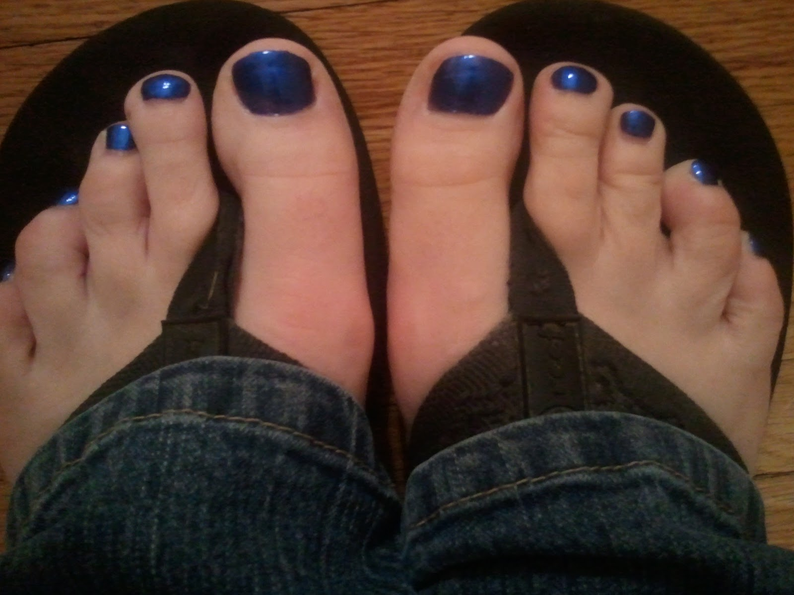 chubby chicks run too: blue toes