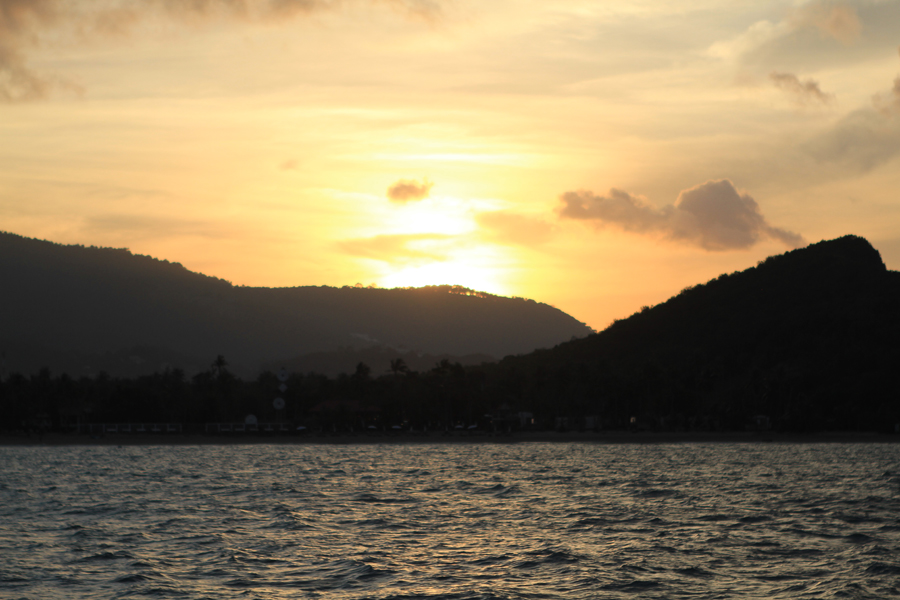 beautiful sunset, view of sunset from the Naga, Romantic things to do on Koh Samui, Romantic holiday in Thailand, Koh Samui, honeymoon, wedding guest entertainment during their holiday