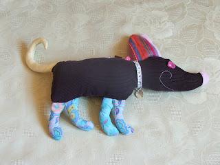 création d'une peluche chien marron bleu tissu imprimé pour enfants idéal cadeau de naissance tout l'univers créatif de mimi vermicelle