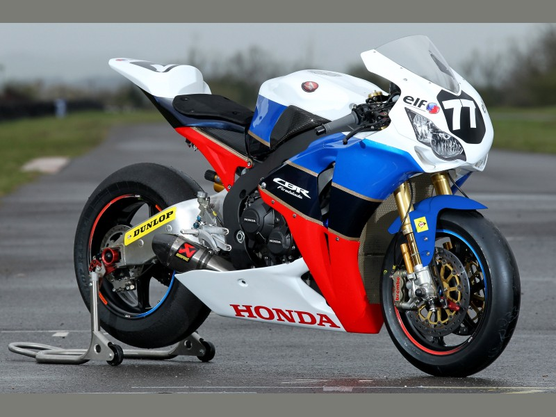 Honda CBR 1000 RR 2008-2011 <SC59> - Page 7 Big_tt_1legends_cbr_angle_fr1