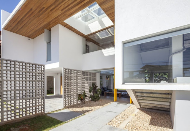 Linhares Dias House