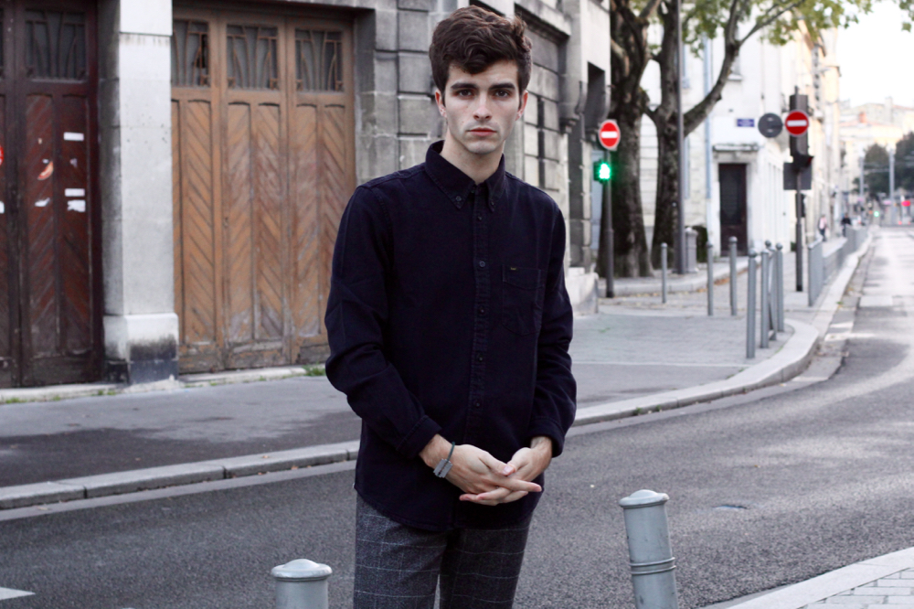 BLOG-MODE-HOMME_Preppy_Bordeaux-Paris-skinny-fashion-chemise-jean-noir-lee-denim-churchs-sweatpant-lame-de-rasoir-dinh-van