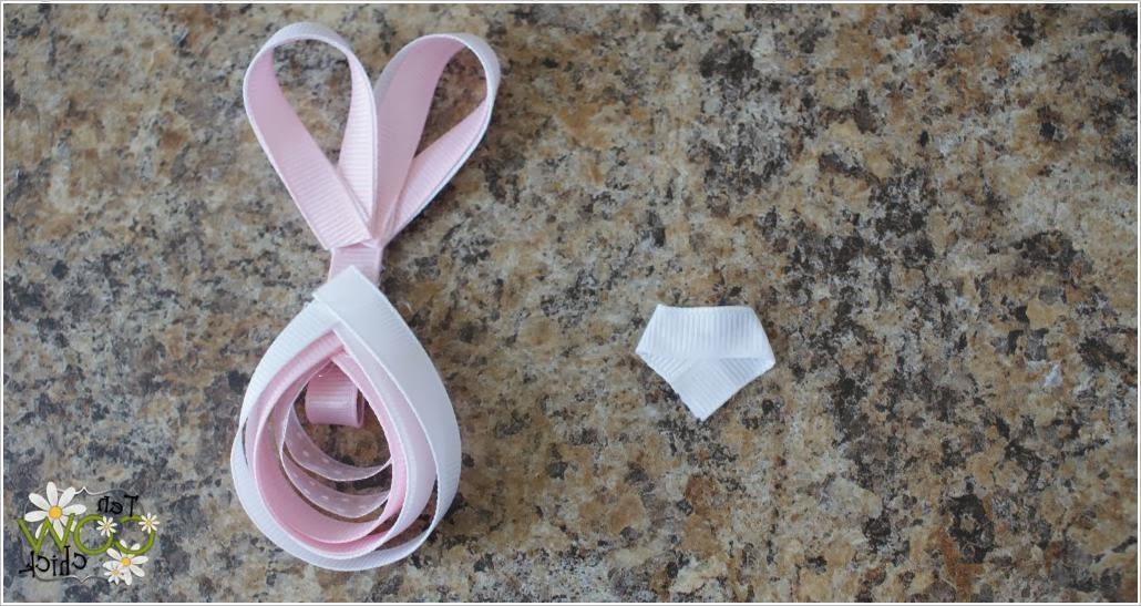 Заколка из репсовых лент своими руками. Pins rabbits from rep ribbons DIY tutorial