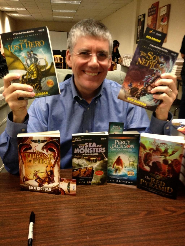New World: Rick Riordan Anuncia o Título de Sua Nova Série