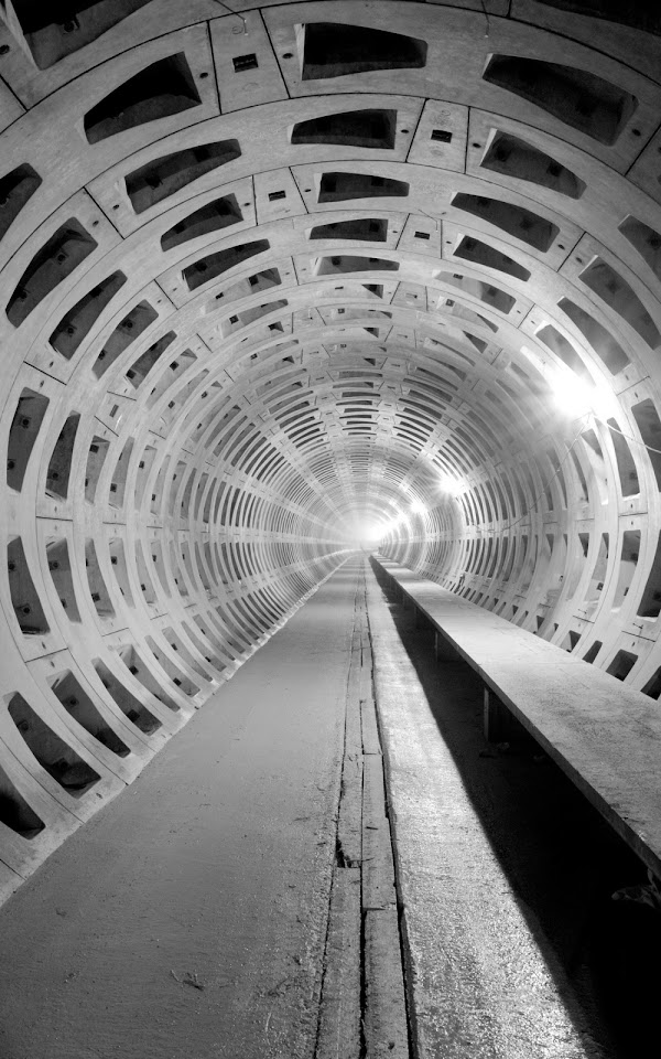 Black And White Tunnel  Galaxy Note HD Wallpaper