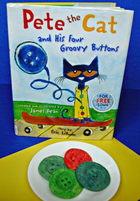 Pete the Cat Button Cookie snack