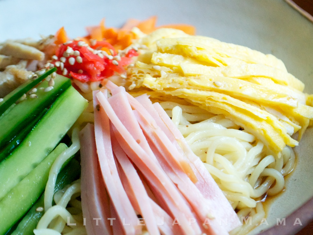 Fresh Ramen Noodles are thin wheat noodles which have a light dusting ...