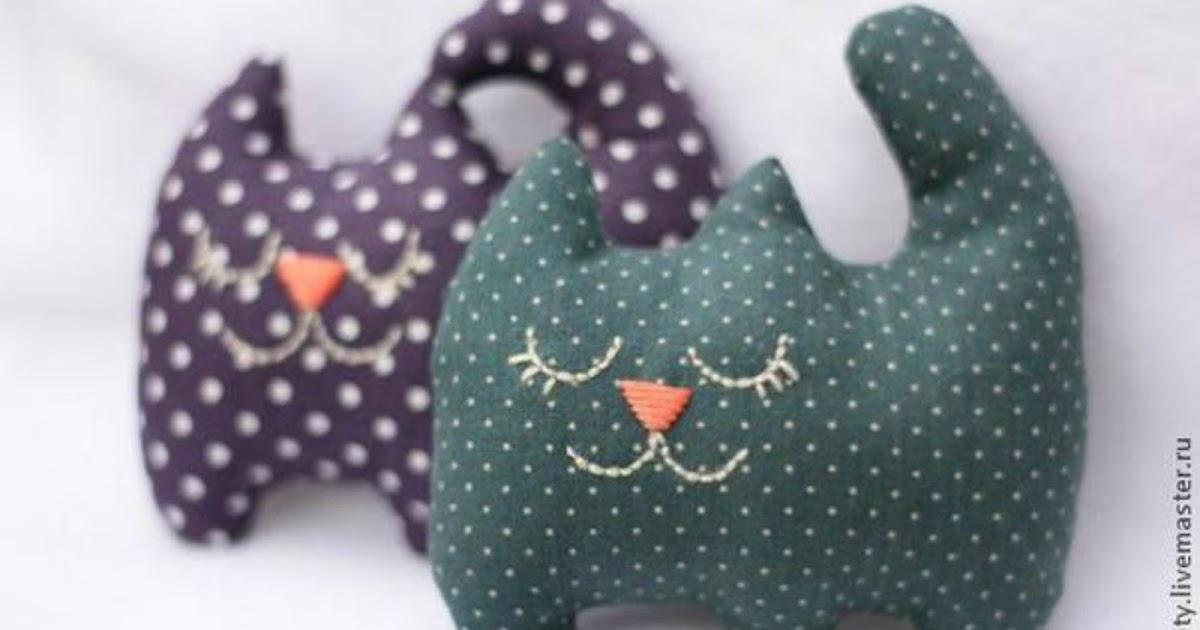 15 gatti di stoffa cucito creativo tutorial e cartamodelli for Fermaporta fai da te in stoffa