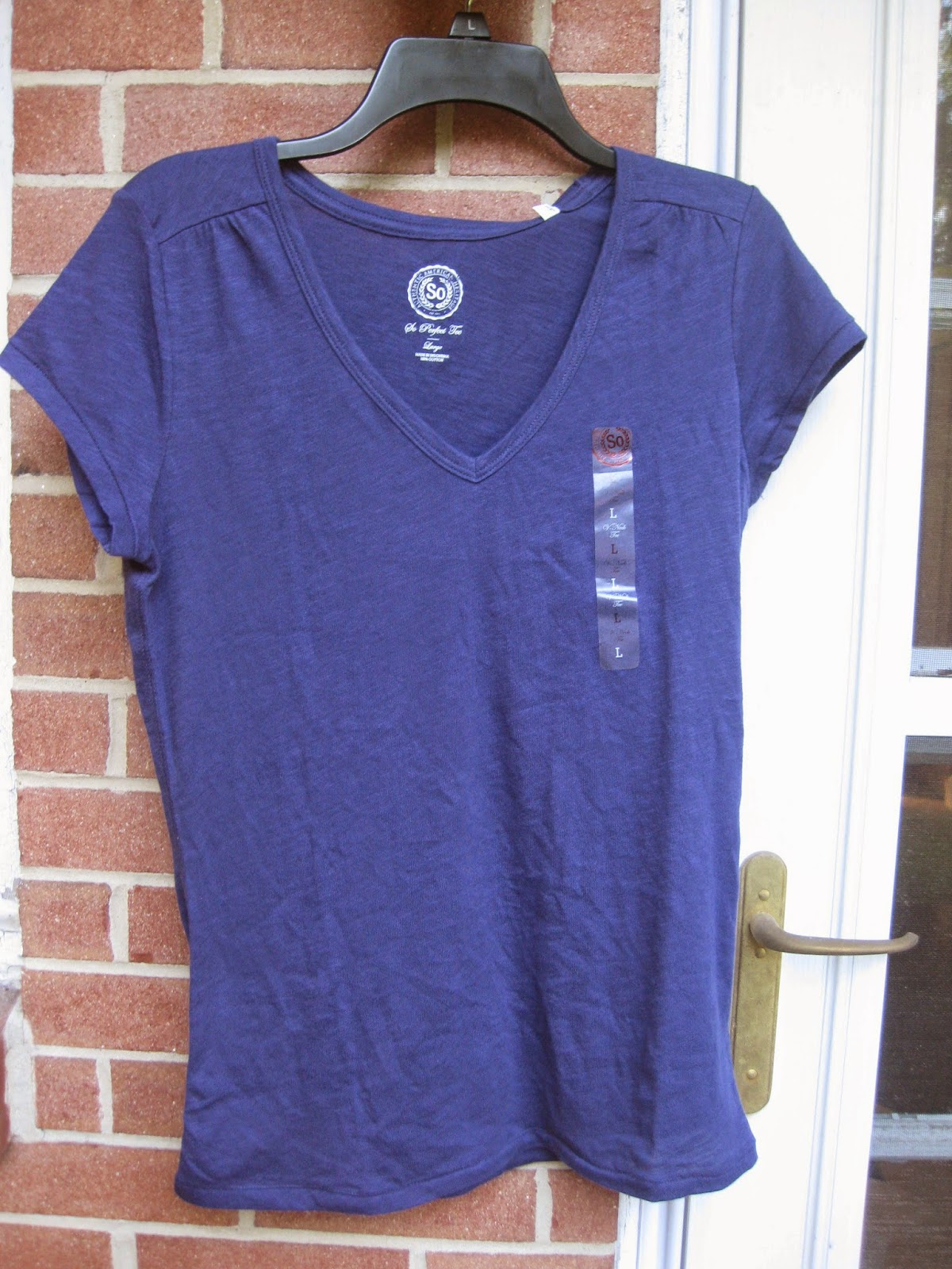 "SO Navy Blue ""The Perfect Tee"" T-Shirt in Size Large"