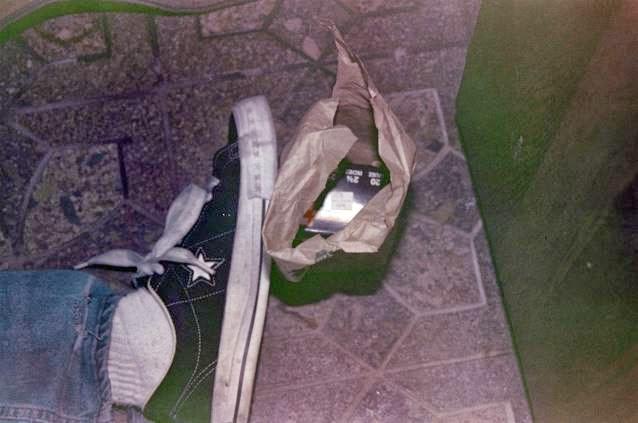 Kurt Cobain scena suicidio piede