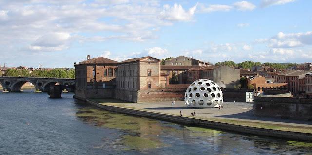 01-Fly-Eye-Dome-by-Buckminster-Fuller
