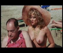 Mon curé chez les nudistes (1982)5