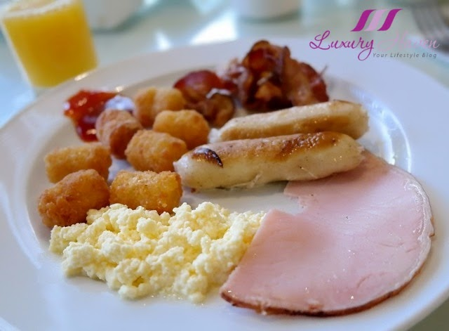 concorde hotel singapore premier lounge breakfast