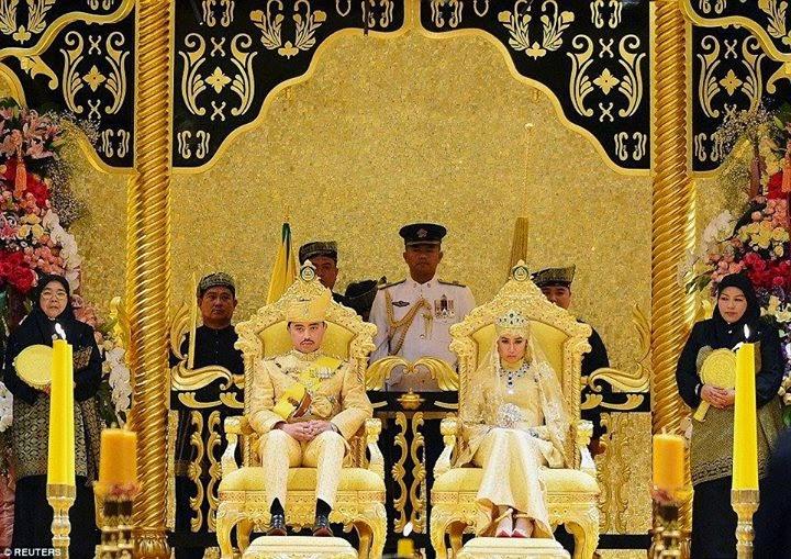 بملابس من الذهب والألماس.. زفاف أسطوري لآخر عنقود سلطان بروناي