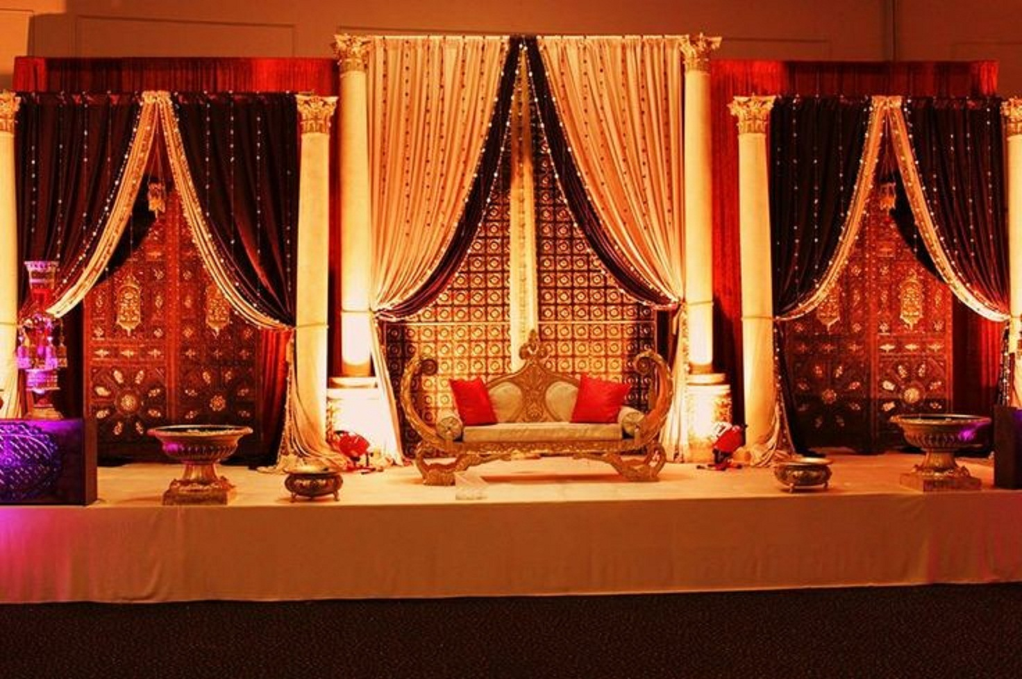Best mehndi stage decoration ideas designs 2015 images hd for Decoration ideas
