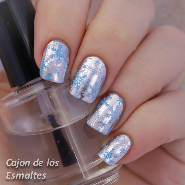 manicura para Navidad - Nieve en las uñas