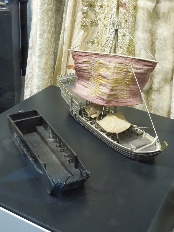 Art department model ship Robin Hood