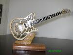 Guitarra vazada