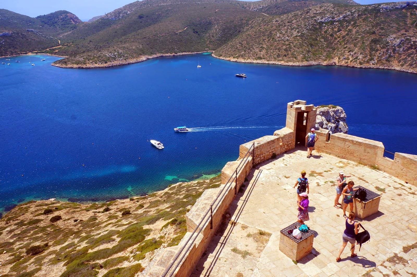 Vistas de la isla de Cabrera desde su castillo