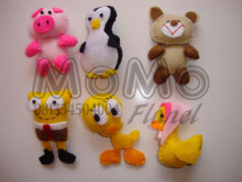 Piggie, pinguin, teddy bear, spongebob, tweety, bebek berkerudung..