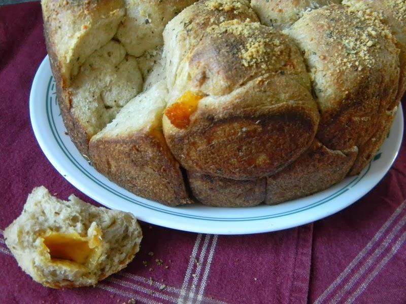Home Joys: Sourdough Cheese Bubble Bread
