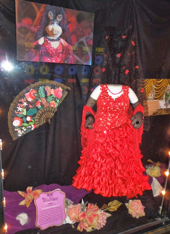 Miss Piggy Madrid Flamenco dress Muppets Most Wanted