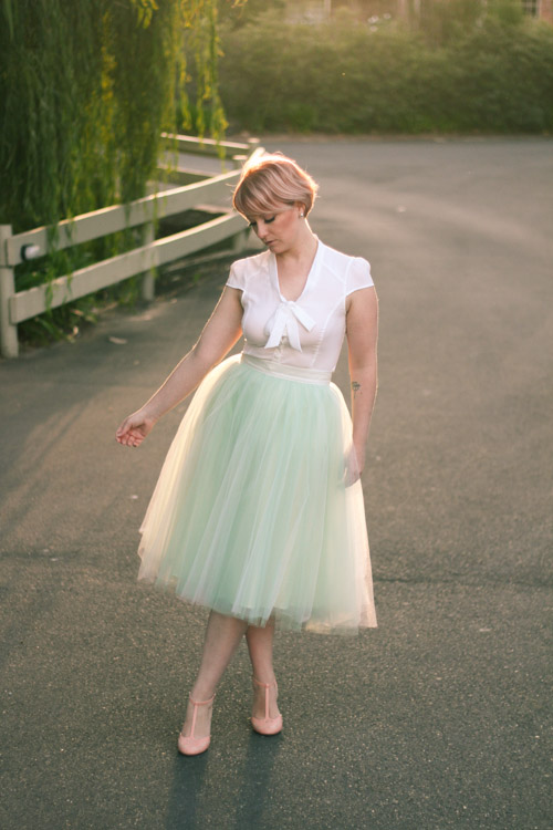Finding Femme with rose gold hair in romantic mint Alexandra Grecco tulle skirt, Review Australia blouse and Modcloth shoes.