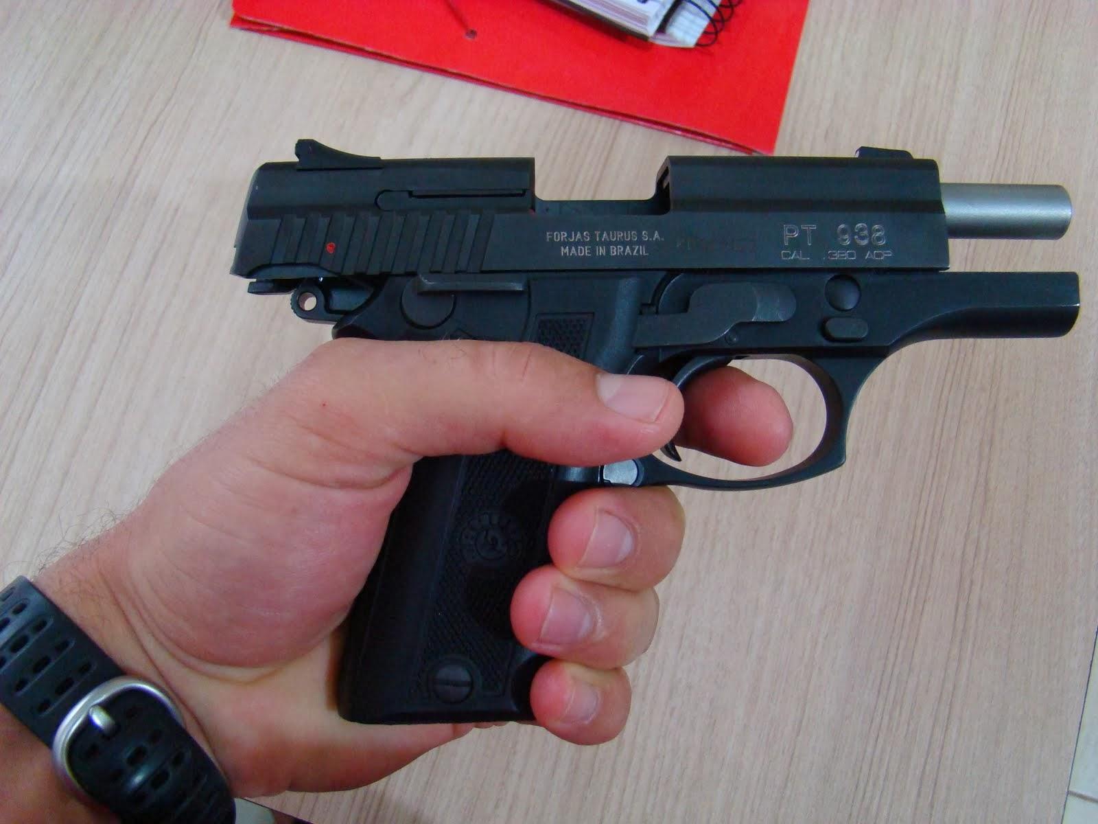 que vai garantir o uso de pistolas calibre .380 por cerca de 60 guardas municipais, voltará à pauta de discussões em segundo turno no dia 6 de março, após o prazo mínimo de dez dias, conforme previsto em lei.