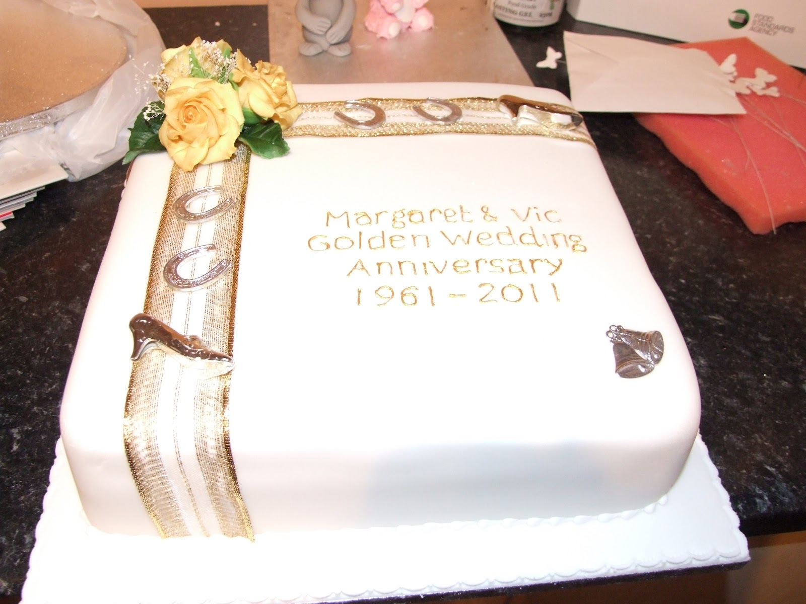 Special Occasion Cakes: Golden Wedding cake