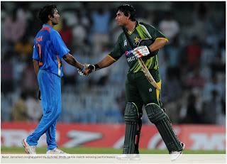 Ashoke-Dinda-Nasir-Jamshed-India-v-Pakistan-1st-ODI-2012