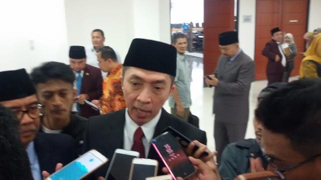 Dedie A.Rachim Dampingi Walikota Bogor Dalam Penyampaian Program Serta Visi Dan Misi di Paripurna DPRD