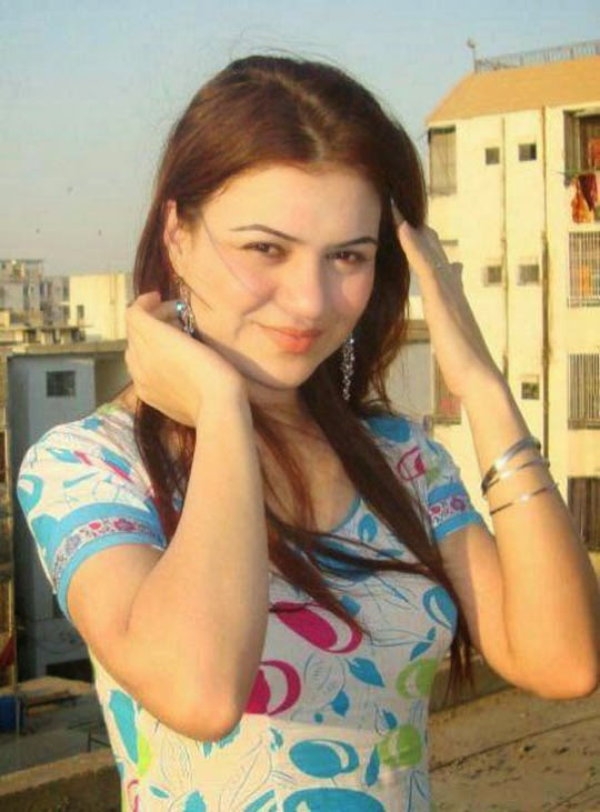 10 hot Desi Girl Pictures
