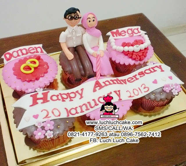 Cupcake Anniversary Romantis for Couple
