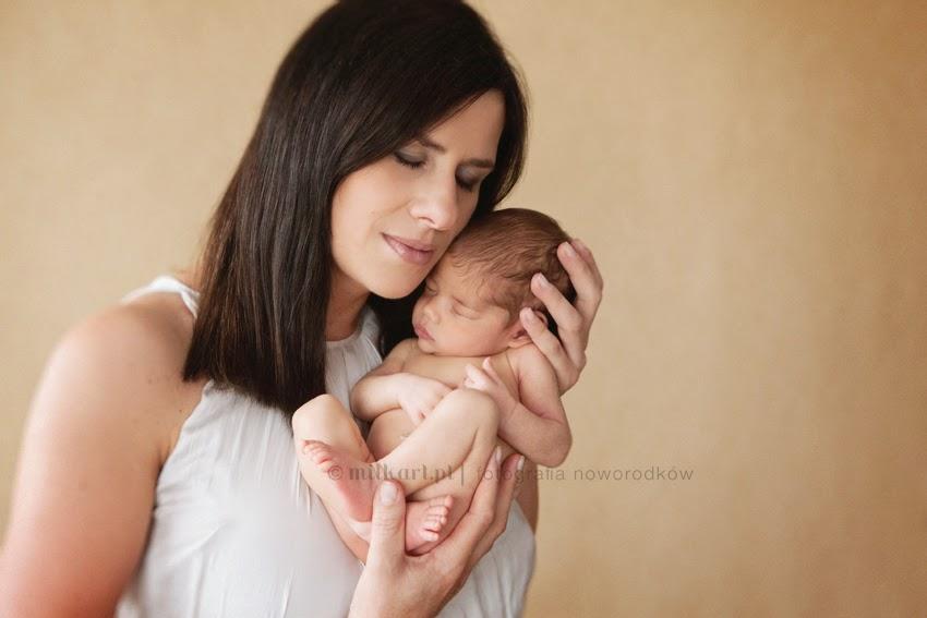 sesja foto noworodka, artystyczne zdjęcia dzieci, fotografia rodzinna, sesje zdjęciowe na chrzciny
