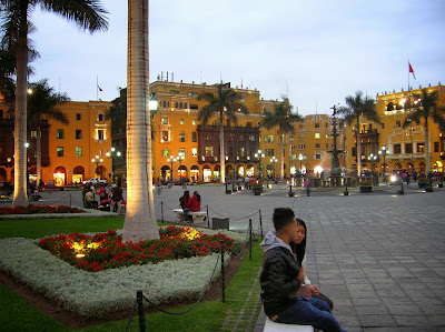 Plaza de Armas, Lima, Perú, La vuelta al mundo de Asun y Ricardo, round the world, mundoporlibre.com