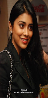 Shriya Saran at CIFF red carpet