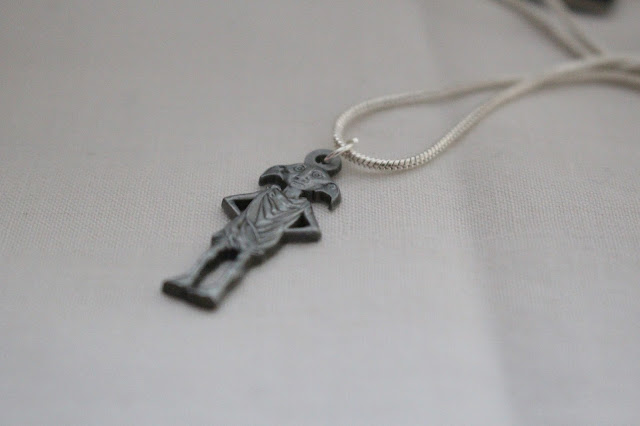Dobby necklace Harry potter world
