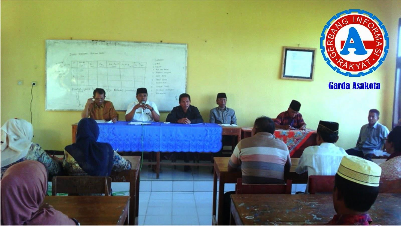Jelang UAS, SMAN-1 Madapangga  Rapat Bersama Komite dan Wali Murid