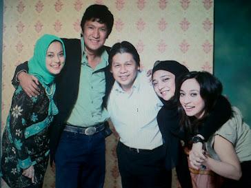 Keluarga  Fawzi bersama Pak David Suhim Pasopati studio Photo (dlm Marissa Haque, Isabella &Chikita